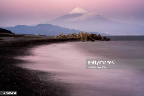 seascape at miho no matsubara and mount fuji, shizuoka. - 静岡市 ストックフォトと画像