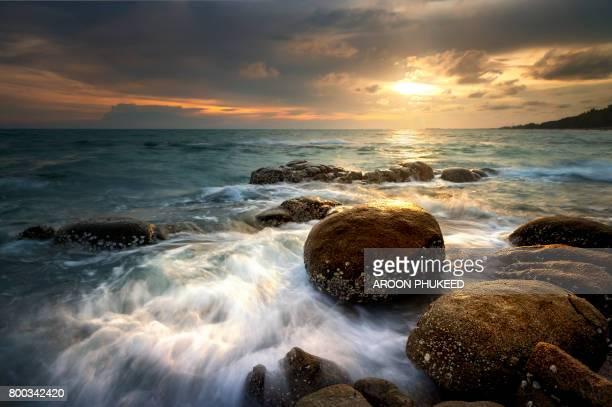 seascape during sunset. - provinz chonburi stock-fotos und bilder