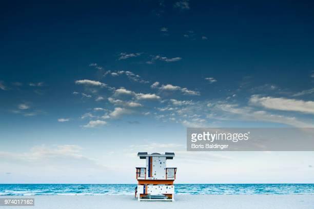 seascape with lifeguard tower, miami beach, florida, usa - miami beach stock pictures, royalty-free photos & images