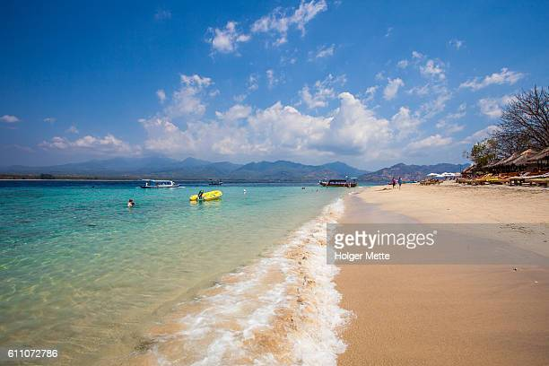 seashore in the gili islands in lombok, indonesia - gili trawangan stock photos and pictures
