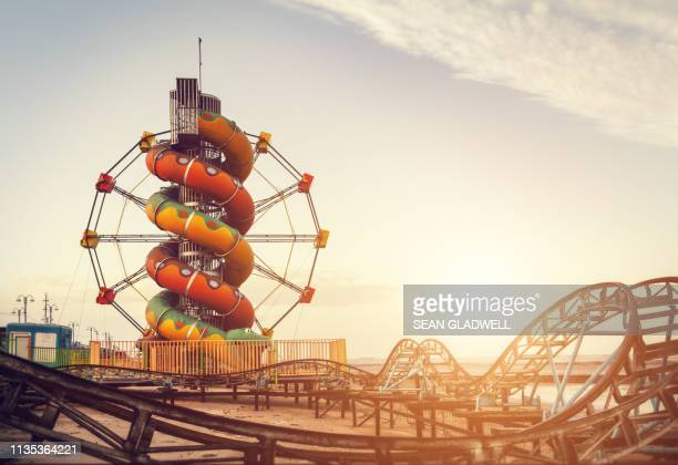 seaside fair - amusement park stock pictures, royalty-free photos & images