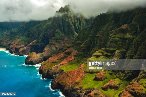 seaside in na pali coast state park in hawaii, usa. - na pali coast stock pictures, royalty-free photos & images