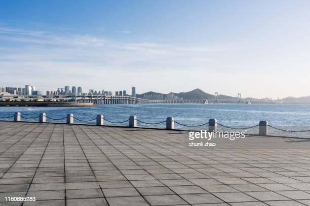 seaside square - baia foto e immagini stock