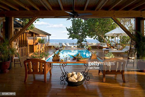 seaside tropical estate - punta cana fotografías e imágenes de stock