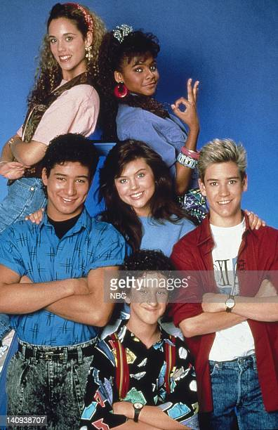 Elizabeth Berkley as Jessie Spano Lark Voorhies as Lisa Turtle Mario López as AC Slater Tiffani Thiessen as Kelly Kapowski MarkPaul Gosselaar as...