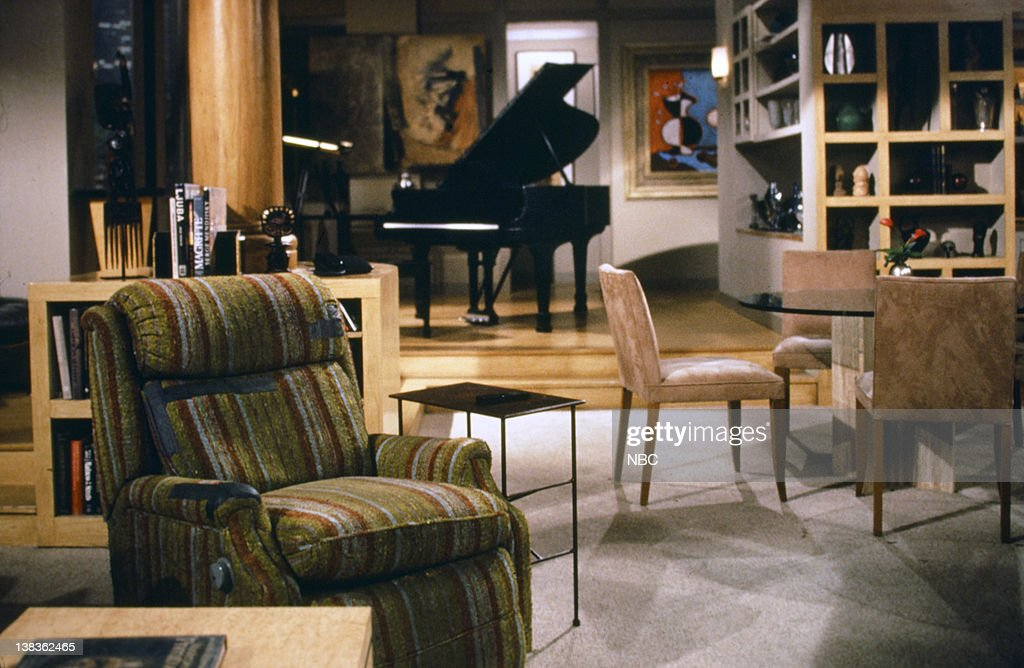 seattle living room shows frasier and martin crane s apartment pictures getty images 12488