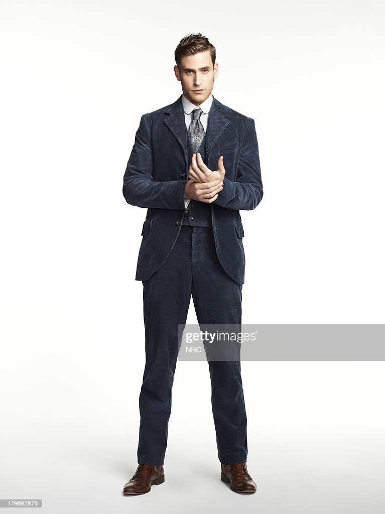 Oliver Jackson-Cohen as Jonathan Harker--