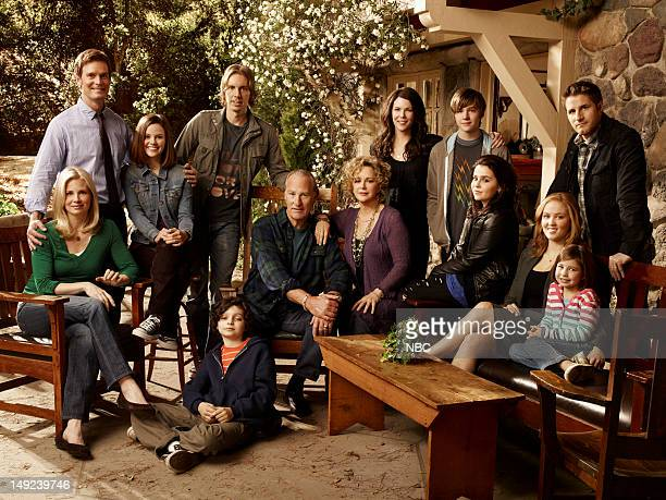 top row Peter Krause as Adam Braverman Sarah Ramos as Haddie Braverman Dax Shepard as Crosby Braverman Lauren Graham as Sarah Braverman Miles Heizer...