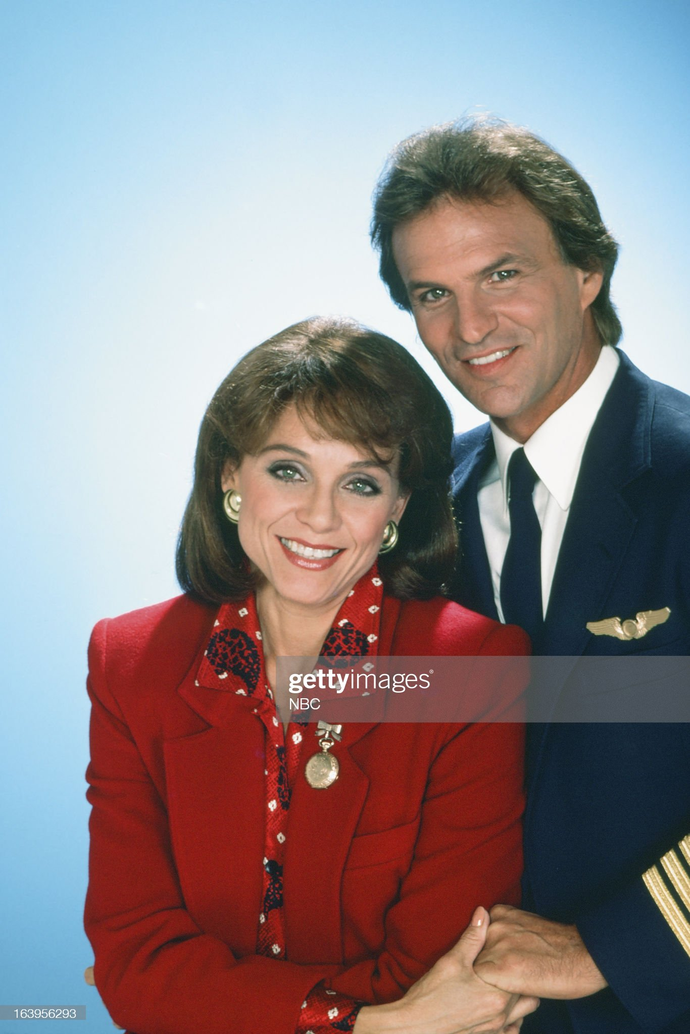 season-1-pictured-valerie-harper-as-valerie-hogan-josh-taylor-as-picture-id163956293