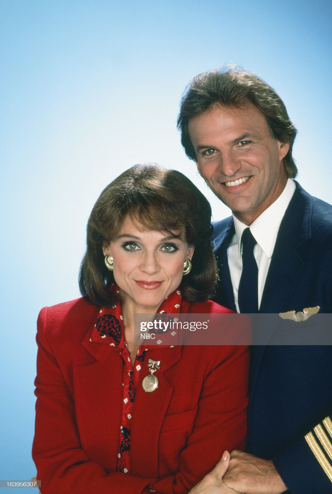 season-1-pictured-valerie-harper-as-valerie-hogan-josh-taylor-as-picture-id163956307
