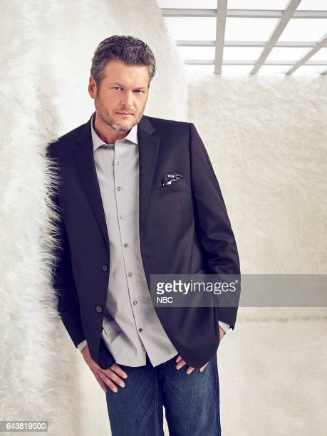 12 Pictured Blake Shelton