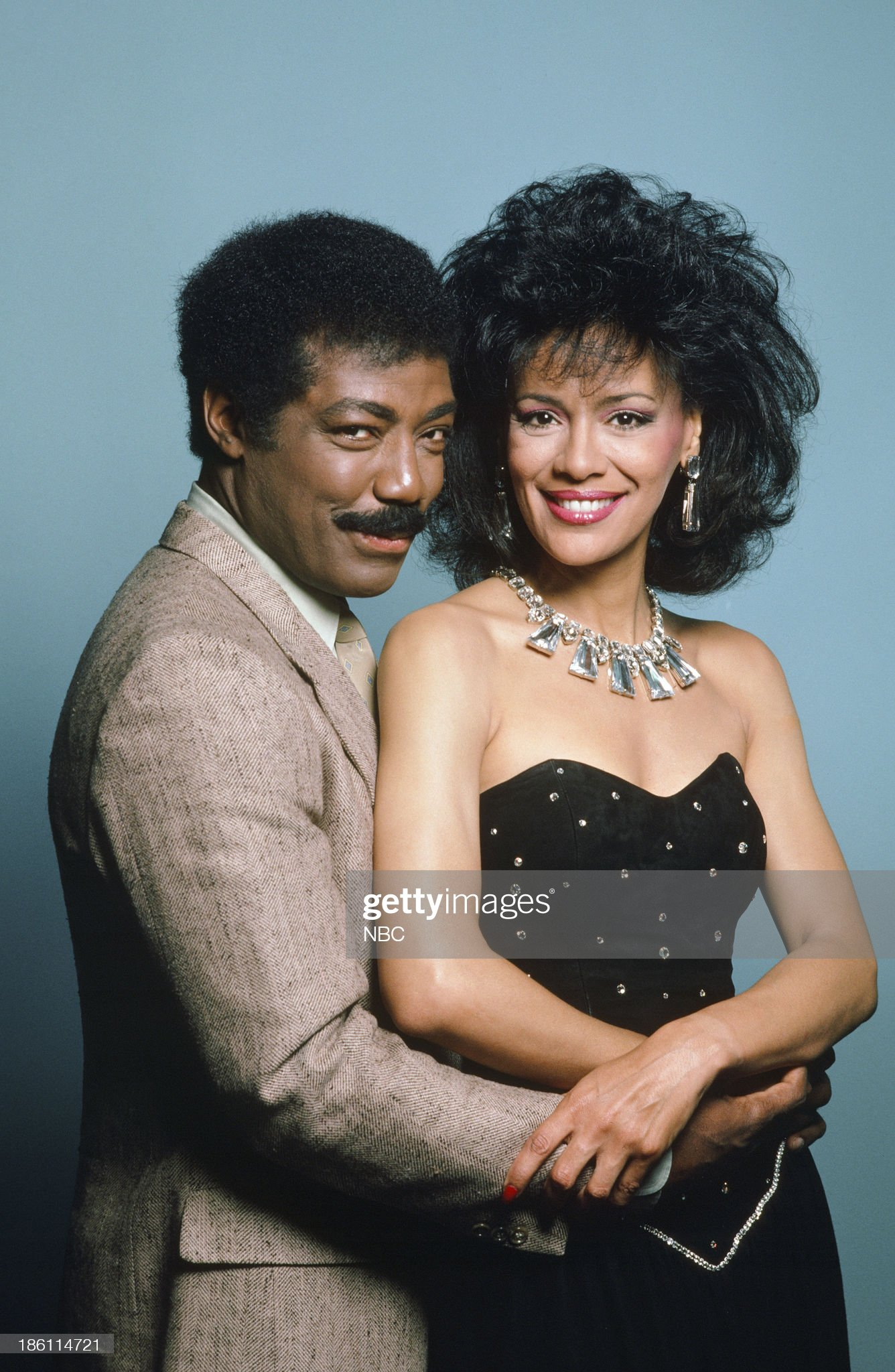 season-21-pictured-james-reynolds-as-abe-carver-marilyn-mccoo-as-picture-id186114721