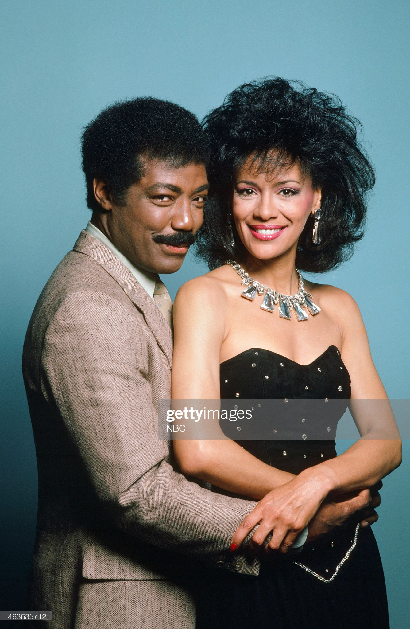 season-21-pictured-james-reynolds-as-abe-carver-marilyn-mccoo-as-picture-id463635712