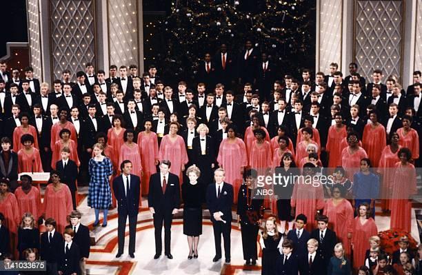 WASHINGTON '1983' Season 3 Pictured Julio Iglesias President Ronald Reagan First Lady Nancy Reagan Andy Williams Leslie Uggams with the USNA Glee...