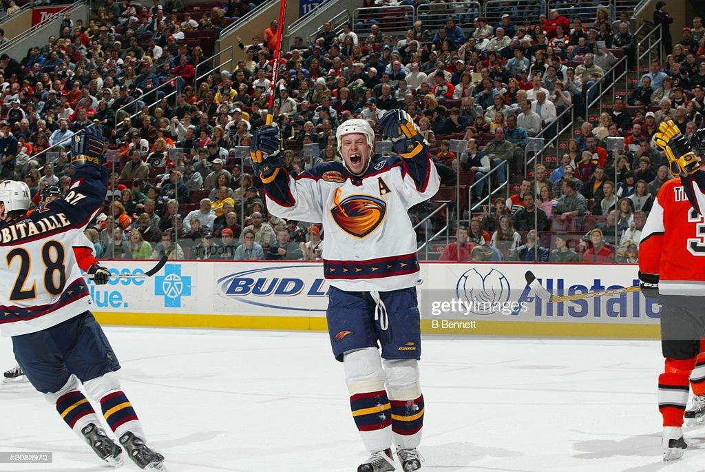Atlanta Thrashers at Philadelphia Flyers... : News Photo