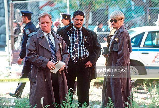 D BLUE Season Five 10/20/97 Gordon Clapp Nicholas Turturro Andrea Thompson