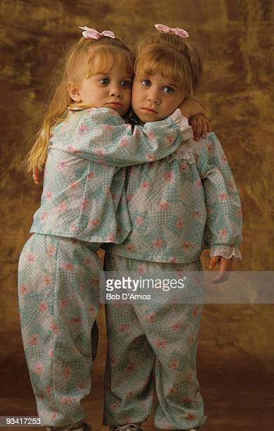 HOUSE Season Four Olsen twins gallery 9/21/90 Ashley and Mary Kate Olsen