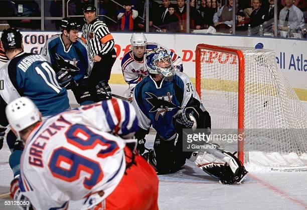 Gretzky beats Kelly Hrudey of the Sharks