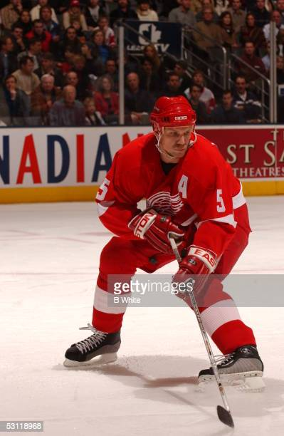 Leafs vs Detroit Redwings on December 6th and Player Nicklas Lidstrom
