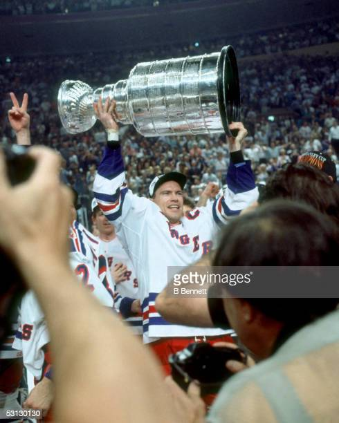 Mark Messier 199394 Stanley Cup Celebration