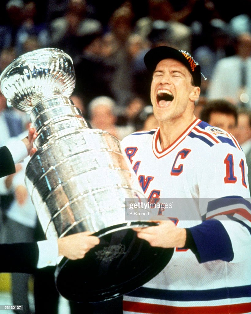 Mark Messier 1993-94 Stanley Cup Celebration... : ニュース写真