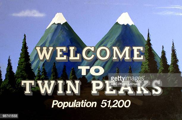 PEAKS Season One Homecoming Queen Laura Palmer is found dead washed up on a riverbank wrapped in plastic sheeting FBI Special Agent Dale Cooper is...