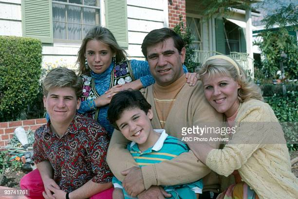 YEARS Season One 'Swingers' 3/22/88 Jason Hervey Olivia D'Abo Fred Savage Dan Lauria Alley Mills