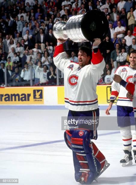 Patrick Roy raises the cup, 1993 Stanley Cup.