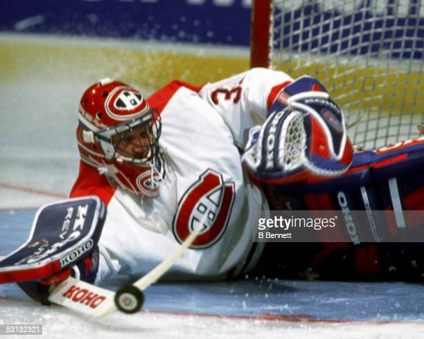 Patrick Roy sprawling stick save