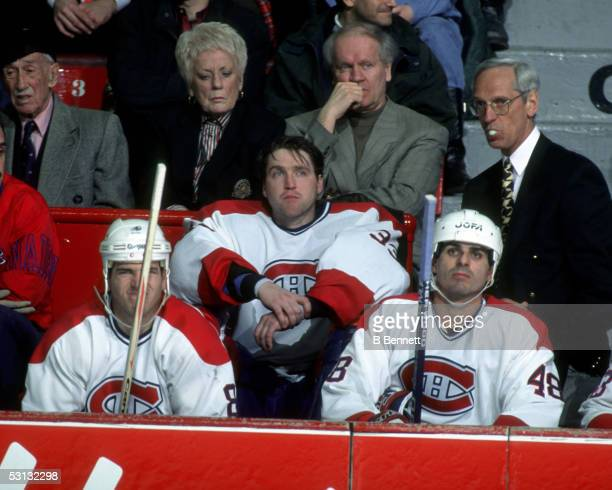 Patrick Roy takes himself out of the game during the 1994-95 season and played his last game for the Montreal Canadiens.