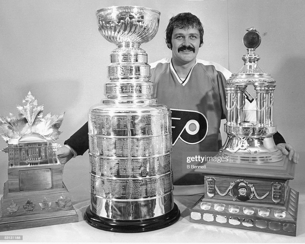 Player Bernie Parent of the Philadelphia Flyers... : News Photo
