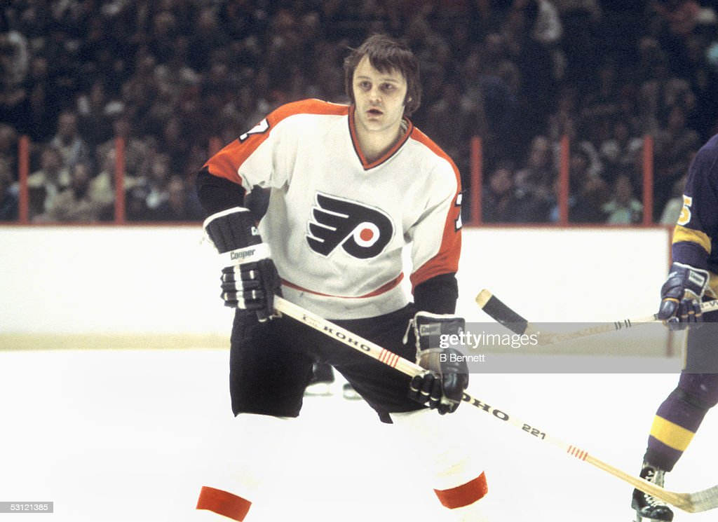 Player Bill Barber of the Philadelphia Flyers... : News Photo
