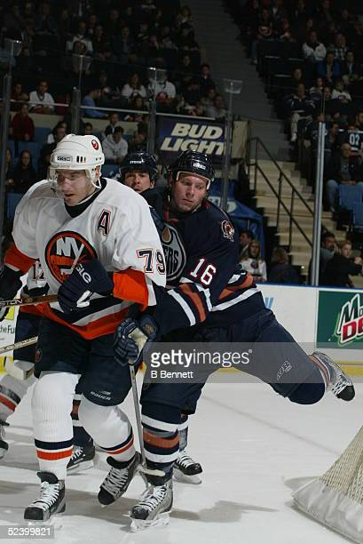 Player Mike York of the Edmonton Oilers