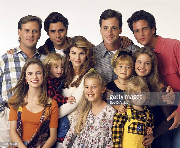 HOUSE Season Seven Gallery 9/14/93 Pictured from left Dave Coulier Andrea Barber John Stamos Blake TuomyWilhoit Lori Loughlin Jodie Sweetin Bob Saget...