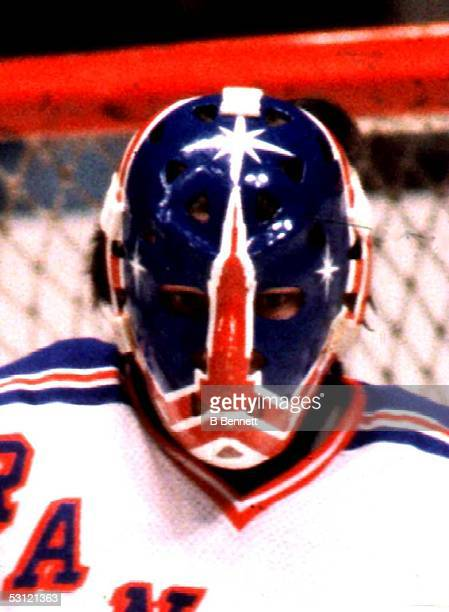 Steve Baker of the Rangers in 1981 wearing the Empire State Building mask