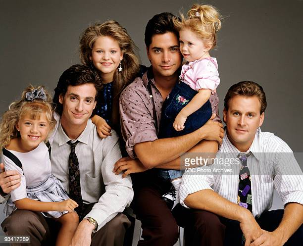 HOUSE Season Three Gallery 9/12/89 Pictured from left Jodie Sweetin Bob Saget Candace Cameron John Stamos Mary Kate/Ashley Olsen Dave Coulier