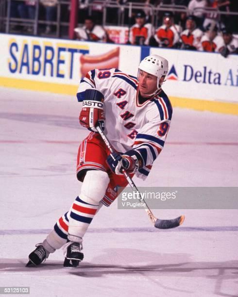 Wayne Gretzky action And Player Wayne Gretzky
