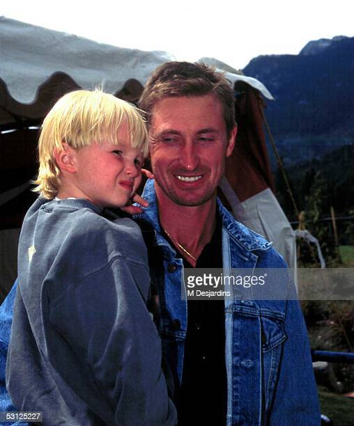 Wayne Gretzky carries son Ty