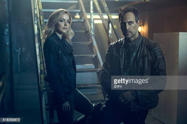 2 Pictured Amanda Schull as Cassandra Railly Todd Stashwick as Deacon
