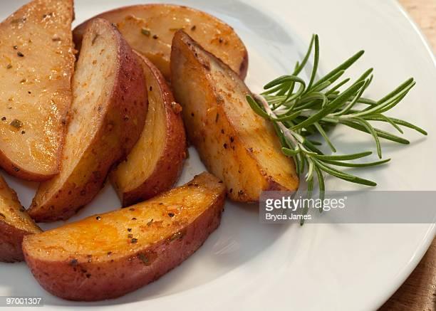 Seasoned Potato Wedges with Rosemary