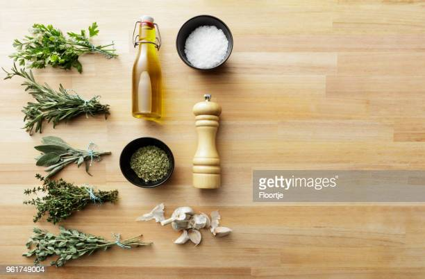seasoning: herbs and spices still life - pepper mill stock pictures, royalty-free photos & images