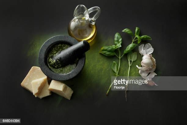 Assaisonnement: Pesto et ingrédients nature morte