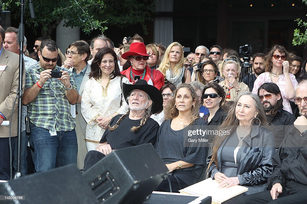 Willie Nelson Statue Unveiling - Austin, TX : News Photo