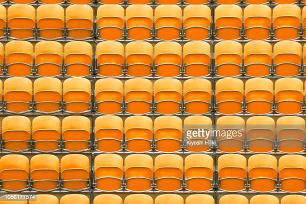 seats at the stadium - marquer photos et images de collection