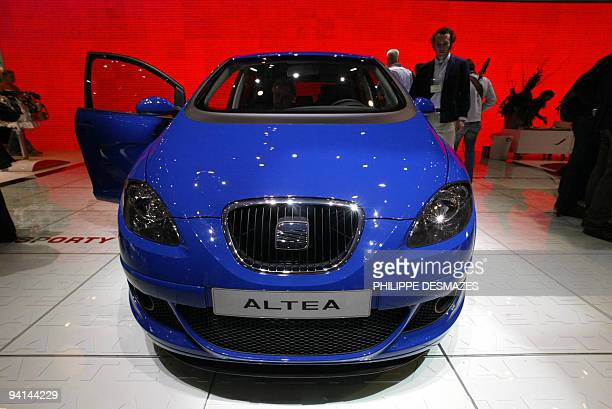 Seat's new Altea model is presented 02 March 2004 at the Geneva Motor Show AFP PHOTO / PHILIPPE DESMAZES