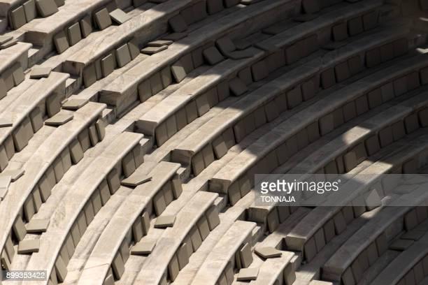 seats of theatre of dionysus, athens, greece - diosa atenea fotografías e imágenes de stock