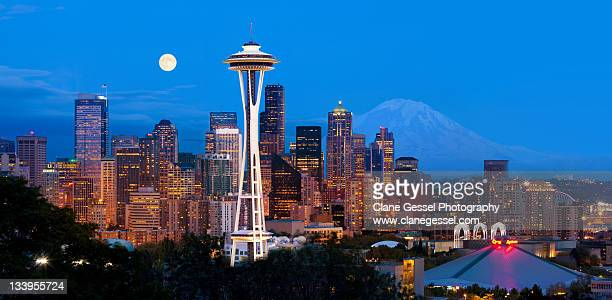 seattle at night - seattle stock pictures, royalty-free photos & images
