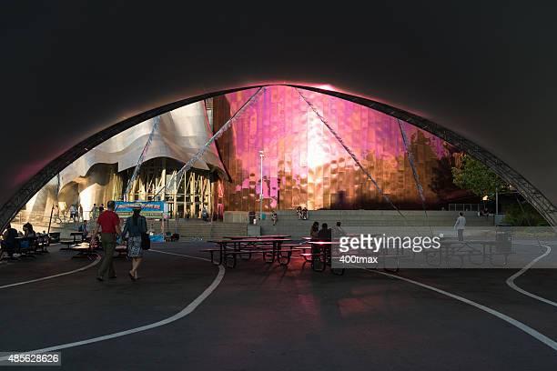 シアトルセンター - エクスペリエンスミュージックプロジェクト ストックフォトと画像