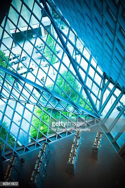 seattle central library - seattle center stock-fotos und bilder