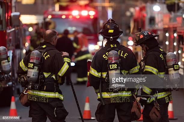seattle fire - editorial fotografías e imágenes de stock